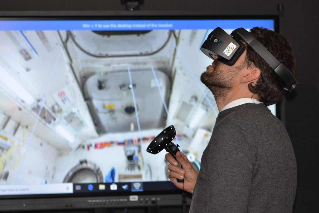 Virtual-Experience-VR-1